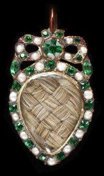Locket enclosing plaited human hair, England, 1775-1800. l Victoria and Albert Museum #love