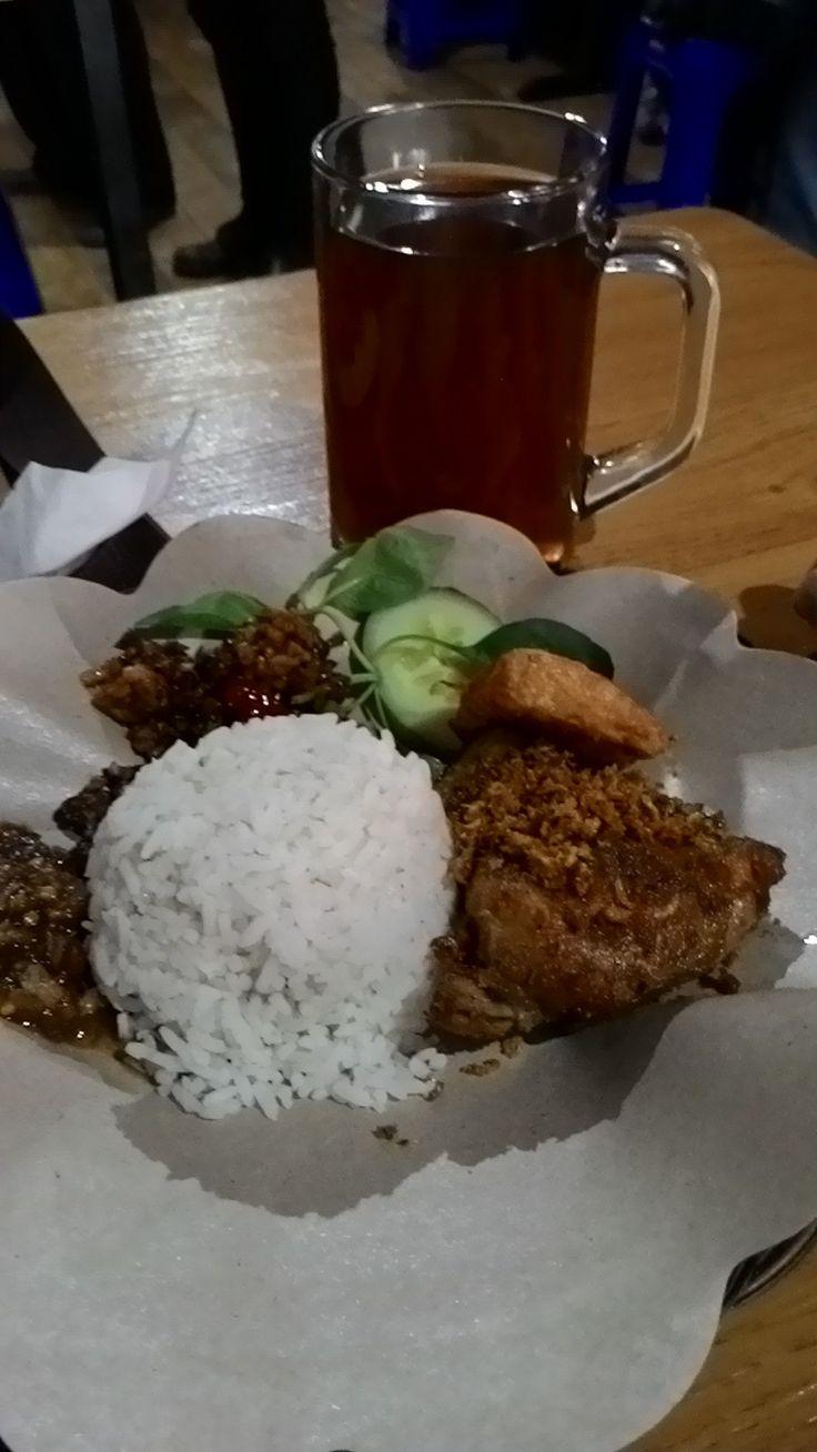 Jajaka Kulon: tempat makan murah dipatiukur Bandung