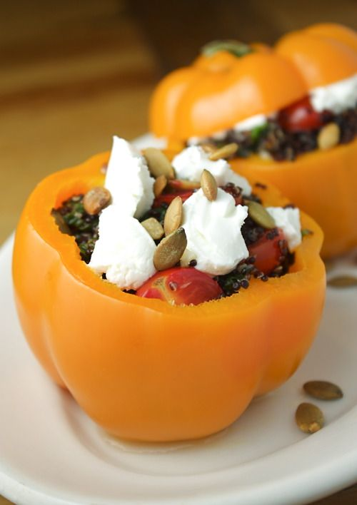 Stuffed Bell Peppers with Quinoa, Spinach, Goat Cheese and Toasted Pumpkin Seeds (from The Bored Vegetarian)Toast Pumpkin, Spinach, Quinoa, Stuffed Belle Peppers, Goats Cheese, Stuffed Bell Peppers, Goat Cheese, Pumpkin Seeds, Stuffed Peppers