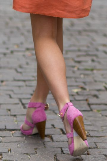 Rose Heels: Suede Heels, Pharaoh Heels, Emerson Fries, Pink Heels, Suede Shoes, Pink Shoes, Chunky Heels, Rose Heels, Orange Pink