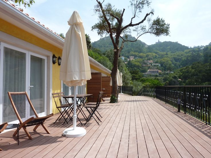Superior rooms' terrace and part of the view. #bedandbreakfast #casadovalle #Sintra #Portugal #nature #relax