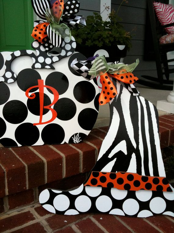 love this for halloween indoor or outdoor decorations - Cute Outdoor Halloween Decorations