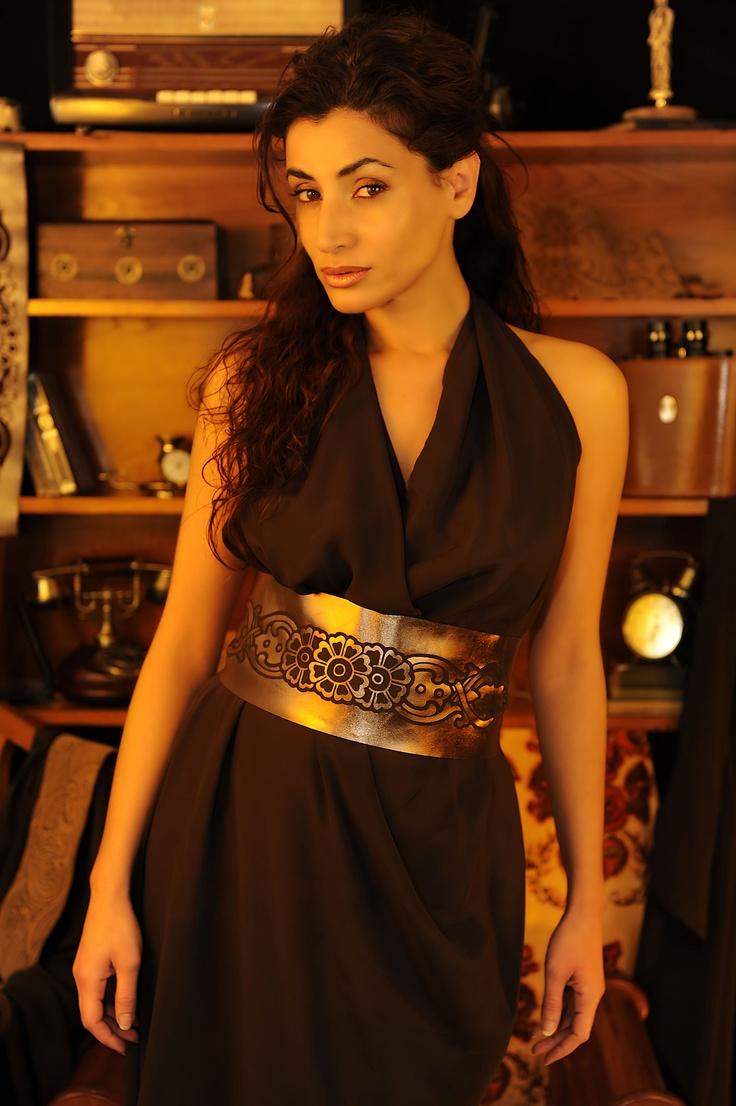Rosanna Walls vestida por un1kos.com