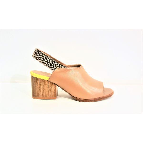 Megumi Ochi Sandalen M17-1641 BEIGE | Finezza schoenen | Storesquare