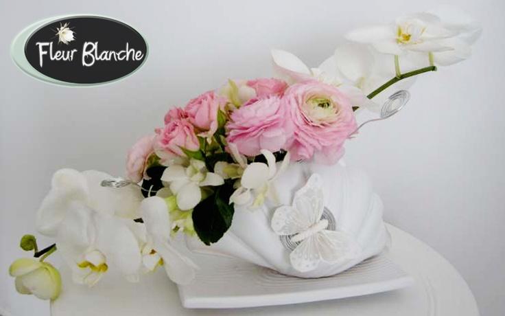 Aranjament prezidiu Valse de mariage - danseaza in valsul iubirii http://www.florariafleurblanche.ro/produs/aranjament-prezidiu-valse-de-mariage