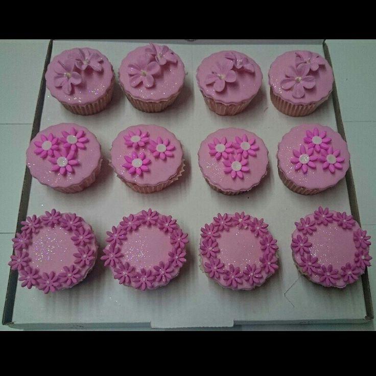 Pink cuppycakes