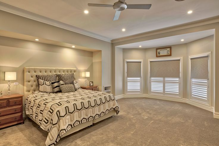 This beautifully designed home draws its interior inspiration from the Georgian style, strongly influenced by NeoClassical (classical Greek and Roman art and architecture) and Rococo (French curved and cockleshell style of design) styles. Every inch of the home has a unique detail, whether it be a custom timber moulding, an ornate skirting board, a different modern style door, detailed architraves and skirting blocks, pattern details in the wooden flooring or special ceiling treatment.