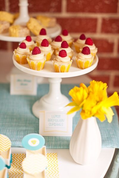 Mini cakes for mini tummies...