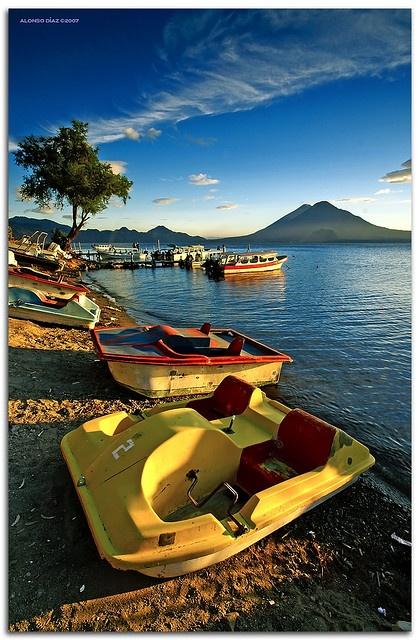 Panajachel, Guatemala by Alonso Diaz  www.adrenalinatours.com  http://www.facebook.com/pages/Adrenalina-Tours-Oficial/116175481794154    https://twitter.com/ADRENALINATOURS