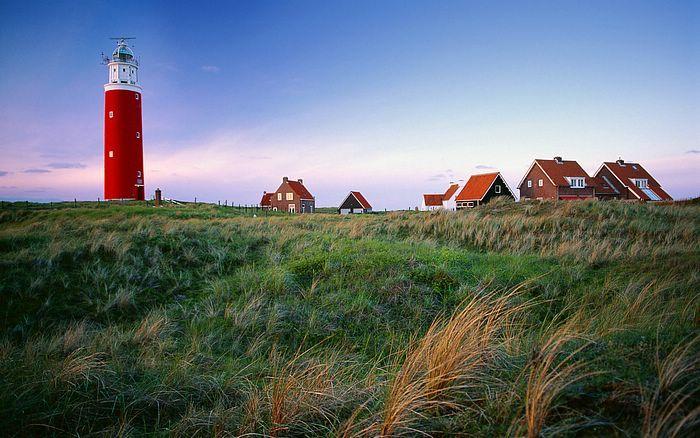 De Vuurtoren op Texel, prachtige luchten, een baken van geluk!