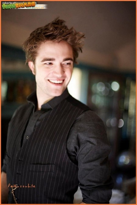 Its been said that Rob is actually one of the nicest romantic guys out there and never cheats-love this about him <3