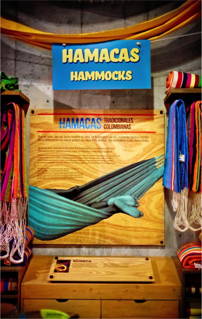 EL MARKET / Diseño de punto de venta. Hay hamacas / There are hammocks !!  www.aluzian.com
