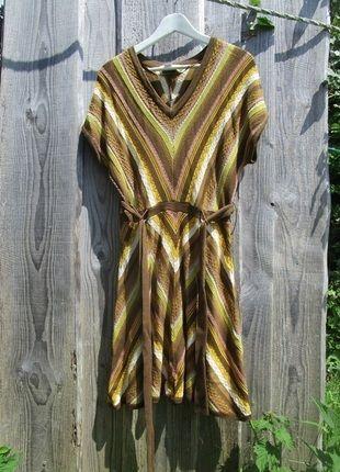 Moutarde!!! J´adore! À vendre sur #vintedfrance ! http://www.vinted.fr/mode-femmes/autres-robes/23717912-belle-robe-design-by-jessica-simpson
