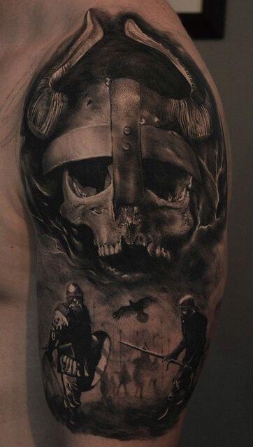Realistisches Wikingertattoo mit einem Wikingerkof und Wikinger-Kriegern auf meinem Arm....
