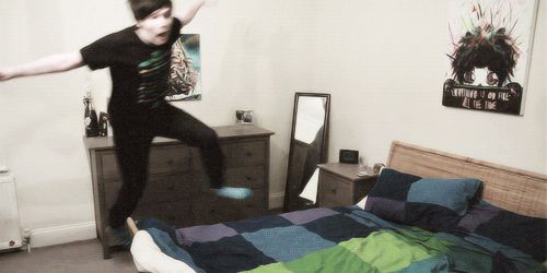 (gif) now i know how he broke his bed........