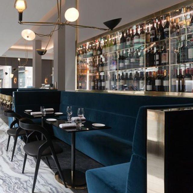Nice mix of materials and colours! #restaurant #interiordesign #inspiration #velvet #brass #kvadrat #milan #tamilano #seating #banquette