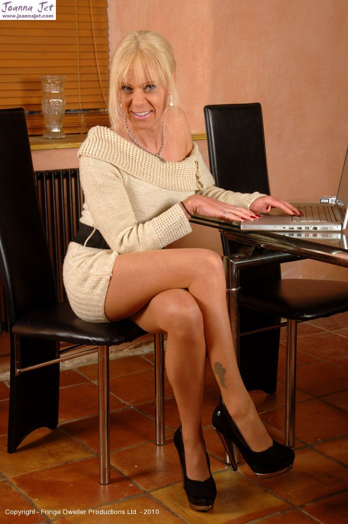 Shemales Pantyhose Video Gallery 56