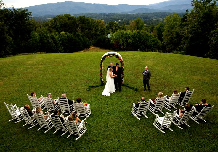 If you're looking for amazing yet affordable Smoky Mountain wedding or elopement…