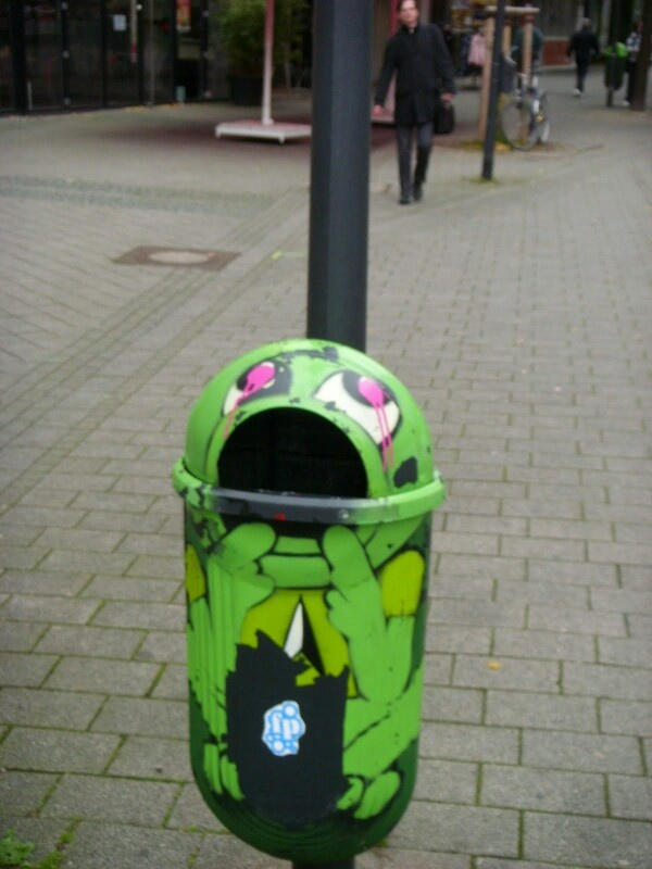 70 best creative trash cans images on pinterest street for Creative art from waste