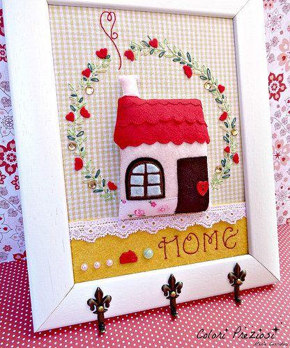 Home sweet home...hand sewnhang keys #feltro #handsewn #hangkeys #coloripreziosi #handmade #felt