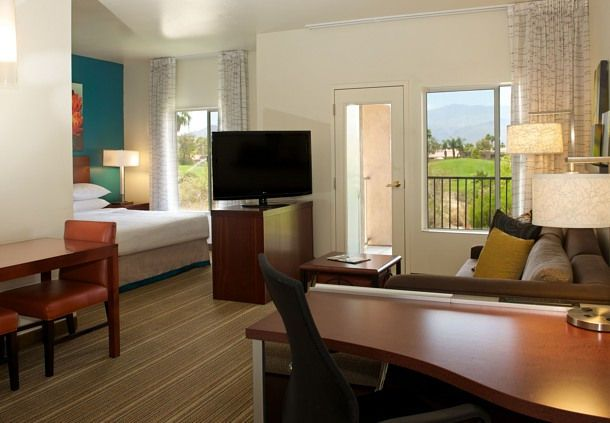 Our spacious Studio Suites offer distinct areas for working, eating and relaxing.