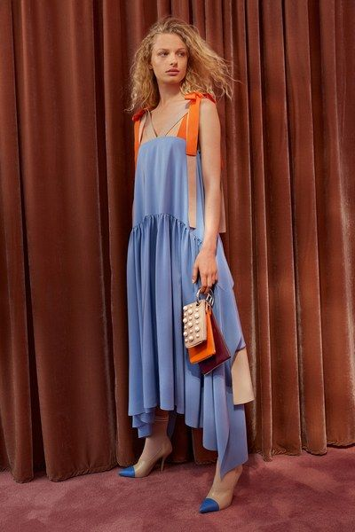 View the complete Resort 2018 collection from Fendi.