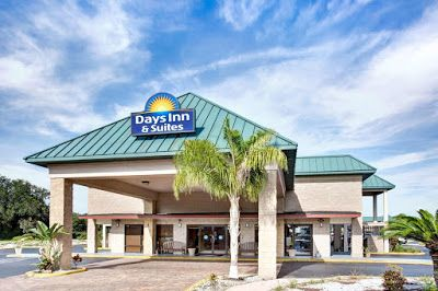 Travel Destination Guide: Days Inn and Suites - Davenport