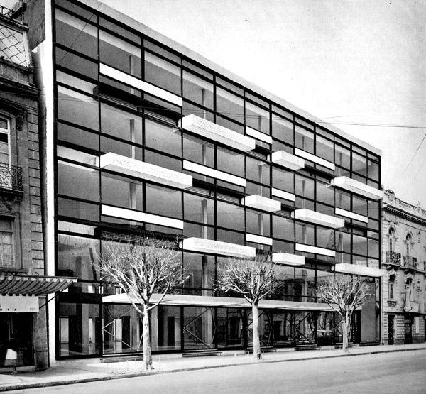 coutinoponce:  Edificio Niza 1952 Col. Juárez. México D.F. Arq. Ricardo de Robina y Arq. Jaime Ortiz Monasterio