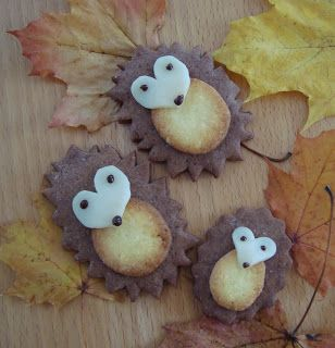 Kleefalter: Igel-Guetzli mit selbstgemachten Ausstechformen Plätzchen Igel Plätzchendeko Tiere