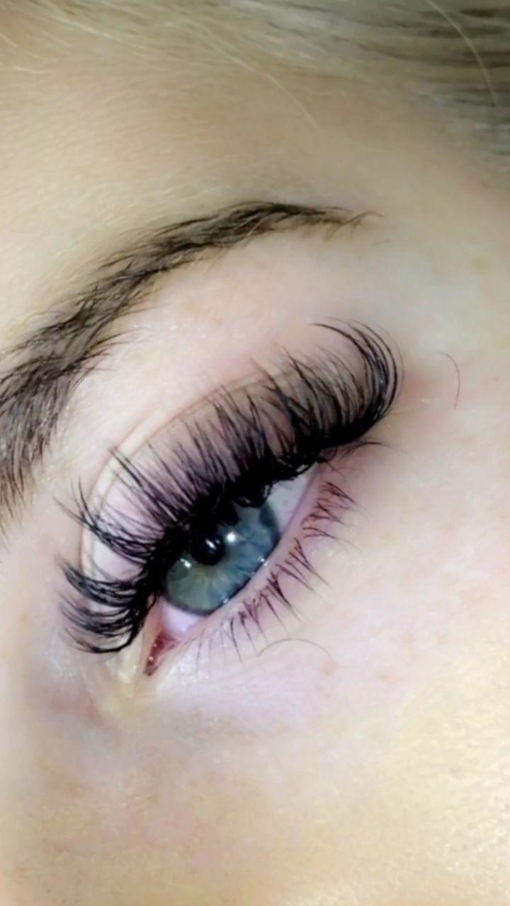 Hybrid Lashes Video in 2020 | Eyelash extensions ...