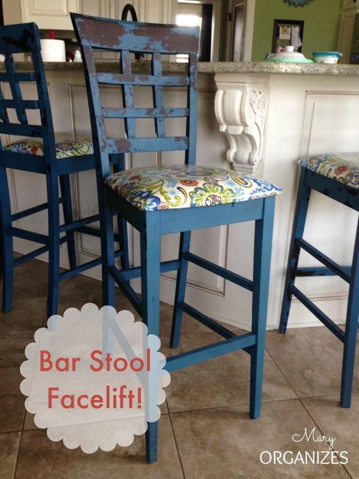 My bar stools got a facelift - #DIY #FurnitureMakeover -- http://maryorganizes.com/2014/08/bar-stool-redo/