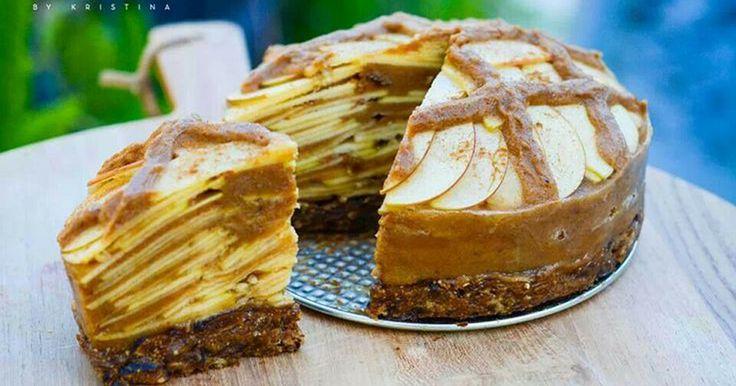 Jablečný nepečený koláč (Raw) z 5 ingrediencí | Čarujeme