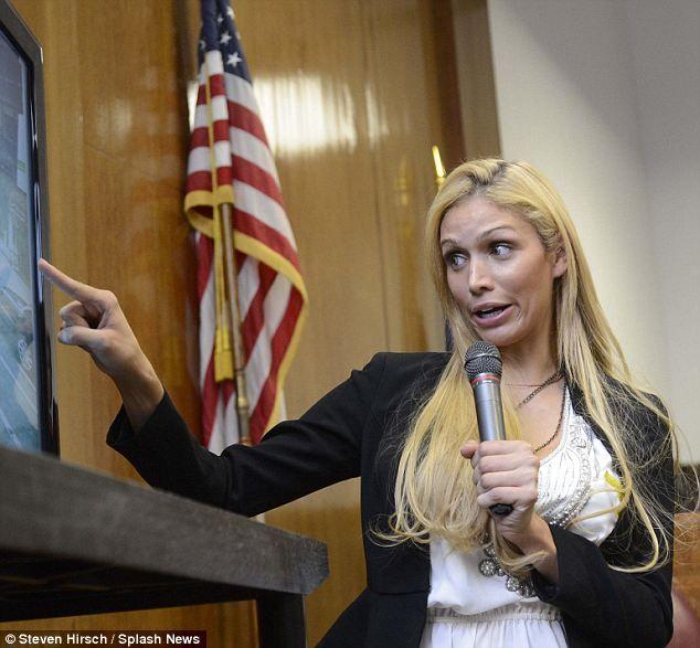 'Izgara': transseksüel modeli Manhattan Yüksek Mahkemesinde duruşma sırasında şiddetli sorgulama yanıt