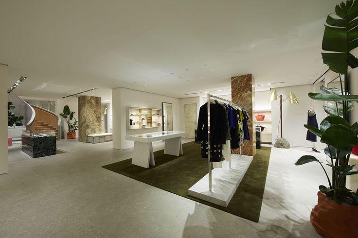 Celine BOUTIQUE OPENING – AVENUE MONTAIGNE Paris - NOWFASHION