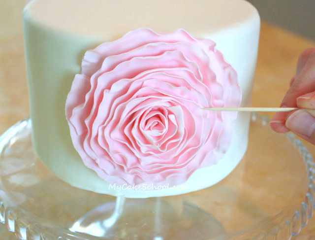 how to make ruffle rose wedding cake 25 best ideas about fondant flower cake on 15988