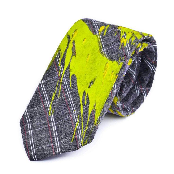 Dale a tu closet un giro divertido para Halloween con estas corbatas únicas e iddeales que te harán sobresalir entre la multitud ¡Encuéntralas en nuestra tienda online!