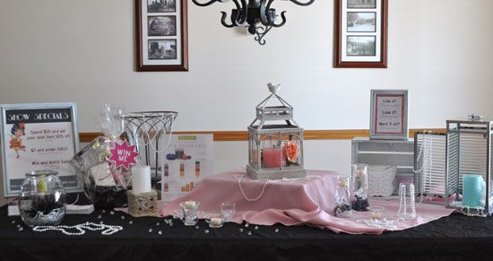 At Home With Jen | DIY Vendor Display Ideas | http://athomewithjen.com