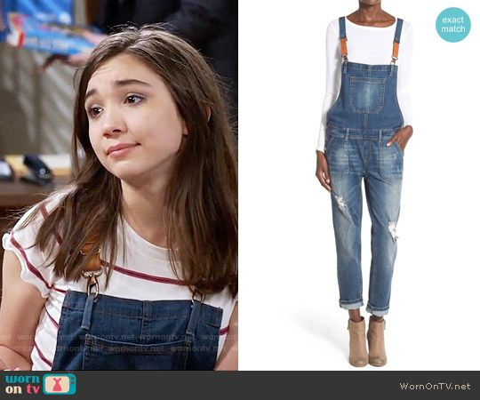 Riley's denim overalls with leather straps on Girl Meets World. Outfit Details: https://wornontv.net/59933/ #GirlMeetsWorld