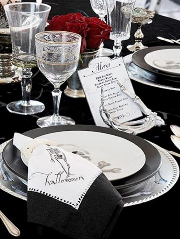 halloween table settings black and white halloween table setting halloween - Halloween Place Settings