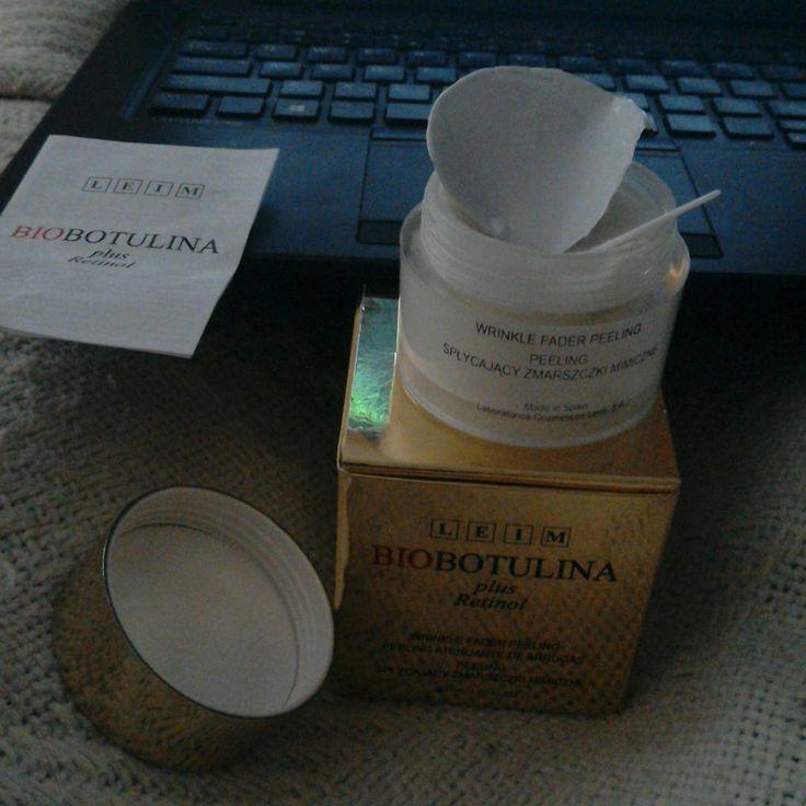 Kosmetyk dwa w jednym złuszcza i redukuje zmarszczki mimiczne - mój niezbędnik w kosmetyczce :)