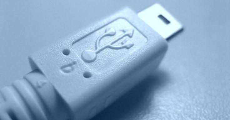Cómo cargar una PSP sin el cargador. Si perdiste el cargador de pared de tu PSP, puedes estar preocupado sobre cómo vas a mantener tu PSP cargada hasta que puedas conseguir un reemplazo. Por fortuna, hay más de una forma para cargar una PSP. Si tienes un cable USB Mini-B (el tipo usado por la mayoría de las cámaras digitales), puedes cargar tu PSP al conectarla a tu PlayStation 3 ...