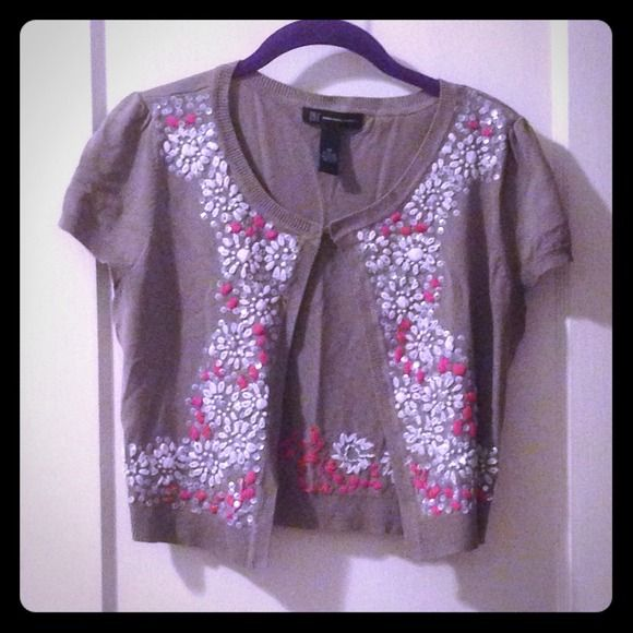 Macy's INC sweater Short sleeved sweater with pink and white embroidered sweater from Macy's INC. Clasp at the top INC International Concepts Sweaters Cardigans