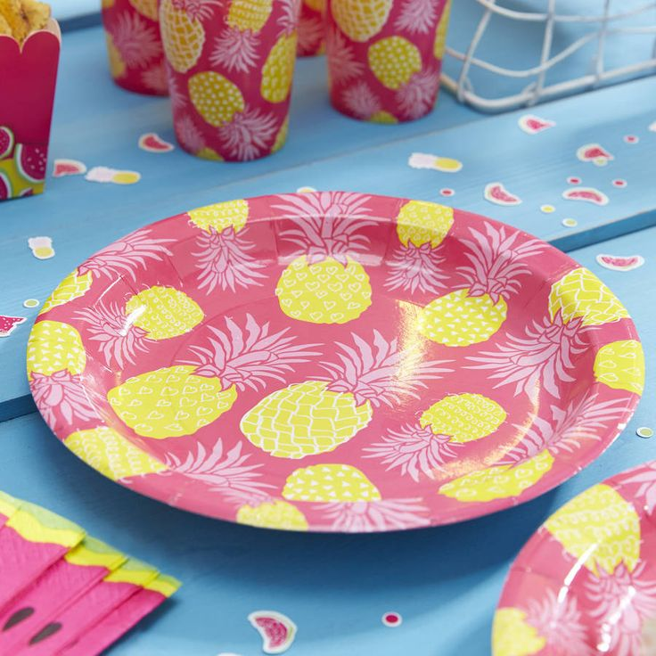 Colourful, watermelon paper plates perfect for a summer party!Colourful and quirky watermelon paper plates, perfect for any summer party or BBQ! The bright and eye catching design will catch the interest of your guests. 8 plates per pack, 23cm in diameter. Other tableware and decorative products available in the summer party range, including paper napkins and paper cups to complete the party table!Paper23cm in diameter.