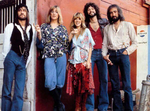 Fleetwood Maces una banda derocknacida en 1967 enLondres, que a lo largo de su carrera ha sufrido constantes cambios en su alineación y ha tenido diversos períodos de popularidad. Fue fundada por los vocalistas y guitarristasPeter GreenyJeremy Spencer, el bajistaBob Brunningy el bateristaMick Fleetwood. Con la posterior llegada deJohn McVieyDanny Kirwanen conjunto con su primeros trabajos, se situaron como una de las bandas más importantes del boom delbluesbritánicode fines…