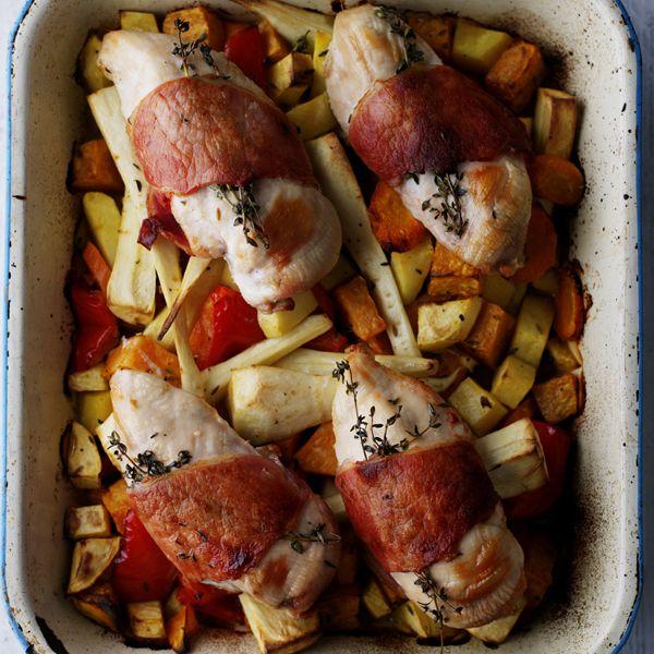 10 ProPoints // 10 SmartPoints            Zubereitungsdauer: 15 min  Garzeit: 35 min  Weitere Zeit: 0 min    Portionen: 4                                Zutaten         2 EL Olivenöl         1 Stück Süßkartoffeln          300 g