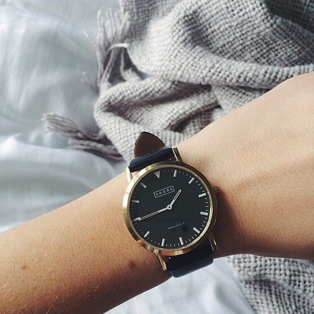 St Ives with black leather strap//