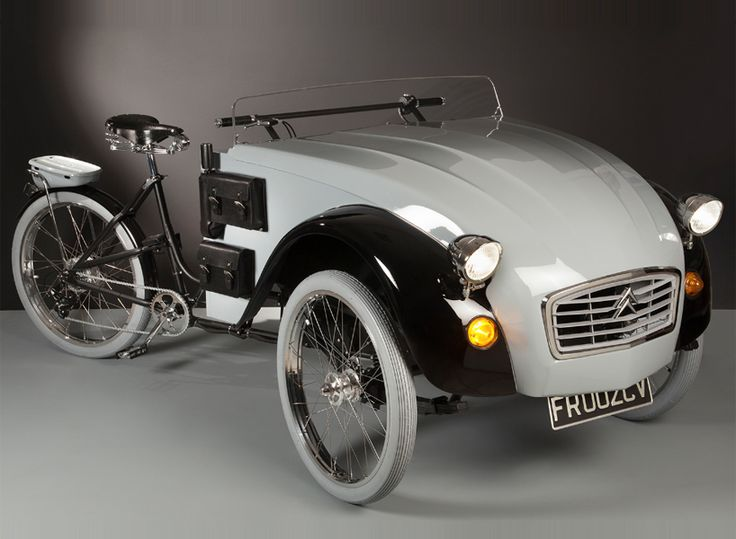 italian architect, luca agnelli, recently decided that these two iconic vehicles belonged together, and created this one-of-a-kind electric-assist tricycle.