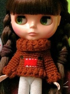Carleesi - crocheted Domo-inspired sweater for Blythe doll