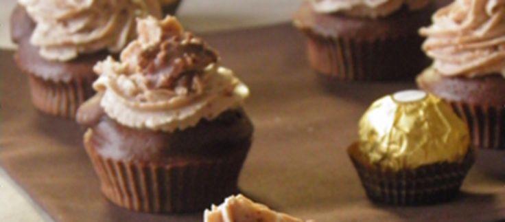 Vous êtes cupcake-addict et vous fondez pour les Ferrero Rocher ? Vous allez adorer le mélange des deux, proposé dans une recette...