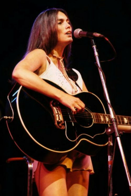 The beautiful Miss Emmylou Harris…